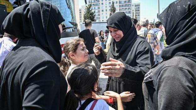 Turkey warns of Syrian refugees entering Europe 1