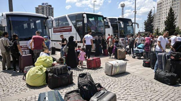 Turkey warns of Syrian refugees entering Europe 2